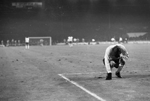 פיטר שילטון במשחק בין נבחרות אנגליה ופולין, 1973